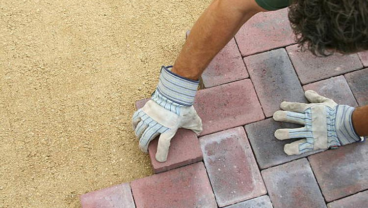 How to Choose Stones for Landscape Pavers